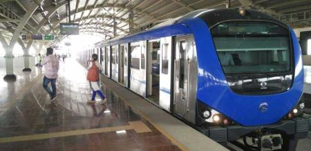 newyear metro train time extented