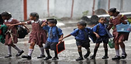 nov 30n schools holiday for heavy rain