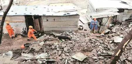 in hariyana family members died due to building collapse