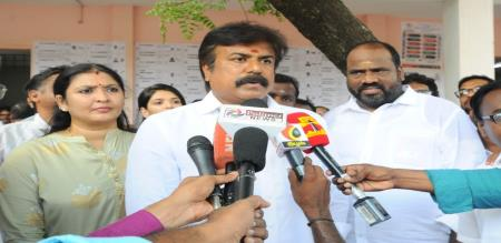 lk sudhish press meet in chennai airport