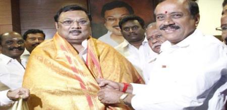 mk alagiri meets h raja