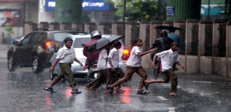 yesterday night to untill raining in chennai
