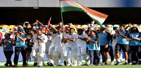 BCCI Announced cash price to Indian team after historical win against Australia