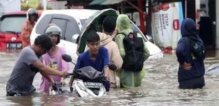 in Indonesia rain flood peoples died