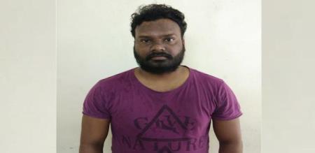 young man cheated girl as said hindi movie singer