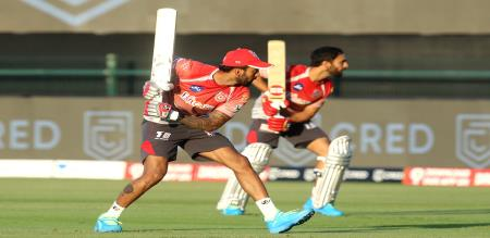 Rajasthan Royals choose Bowl first in must win game against KXIP