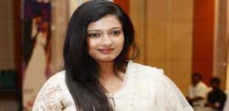 kayathri tweet against tamilisai sowndarajan