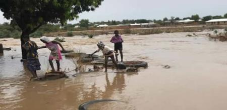 in kana country flood peoples died quantity increased 28 nos