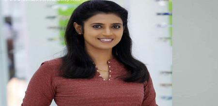 actress latha warning to kasthuri