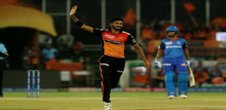 Delhi capitals set 156 target to sunrisers hydrabad