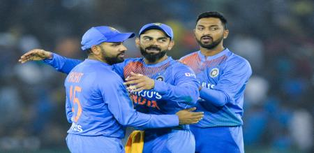 india won the toss elected bat first in final T20 against southafrica