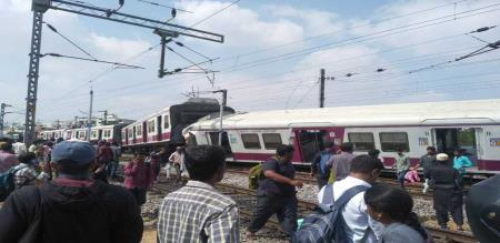 In telungana train accident peoples injured