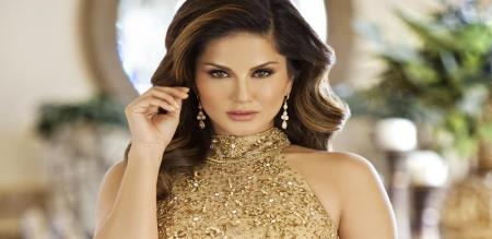 sunny leone post image close with husband
