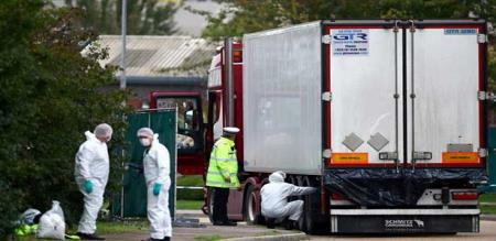 in England lorry with died body investigation