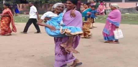daughter in law carried her mother in law