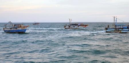 srilankan navy force arrested rameswaram fishermen