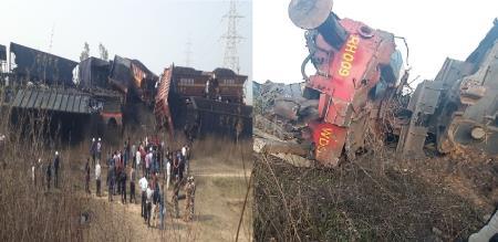 in uttarpredesh goods train accident video