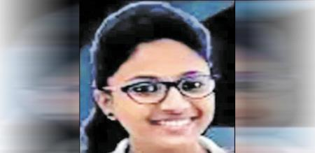 in mumbai girl died accident when crossing road she is carom player
