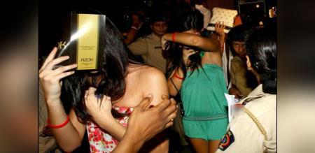 in Mumbai actress prostitution police arrest
