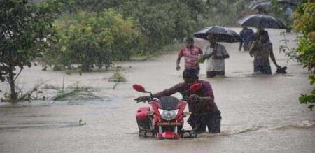 in nepal flood peoples died 60
