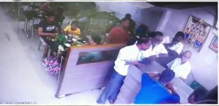 in kanchipuram hotel free food culprit fight with hotel owner