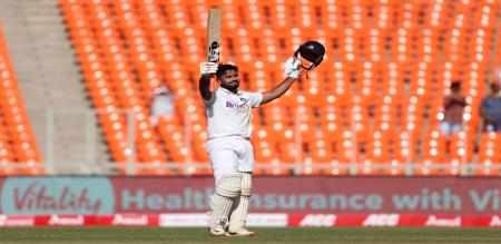 Rishabh pant century helps india get lead against england in 4th test