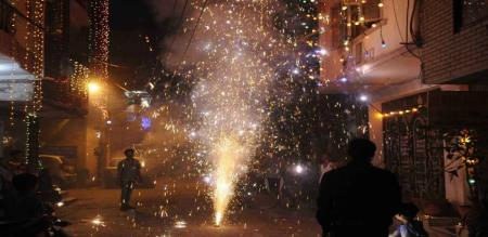 in puthuchery two villages fight celebrate deepawali festival crackers