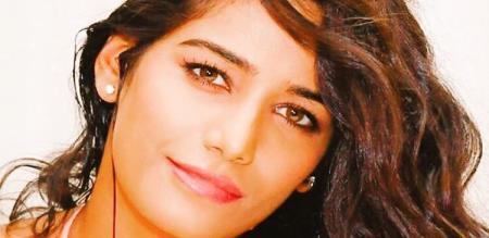 actress poonam pande replays Pakistan media advertisement about abi