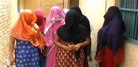 in pudhuchery prostitution gang arrested by police