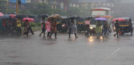 in cudallore district school leave announced by district collector due to rain