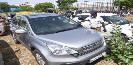 former Indian cricket player robin Singh car seized by Chennai police