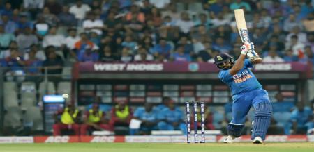 india got speed start in mumbai match