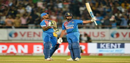 rohit hits 5 sixes in the match and create world record