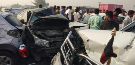 nine car and lorry accident in same time