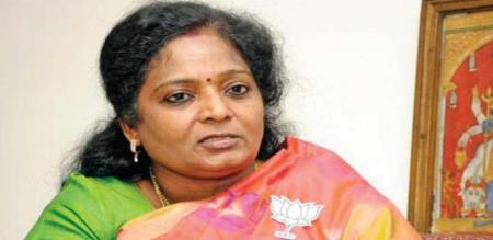 tamilisai helps to poor student
