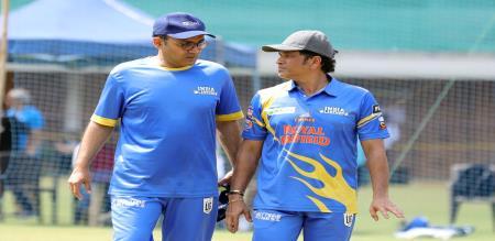 West indies legends set target 151 to Indian legends