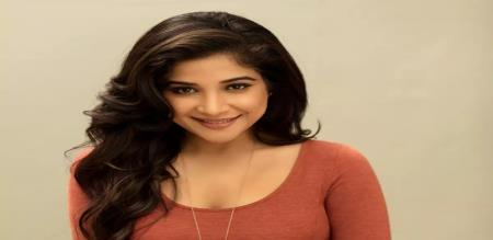 sakshi over glamour picture