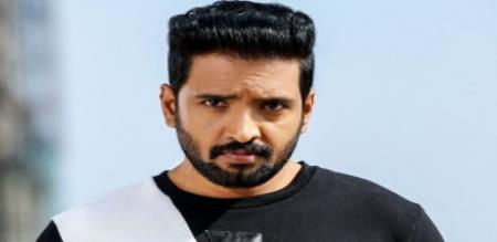 actress join with santhanam movie