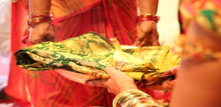 marriage stopped for saree