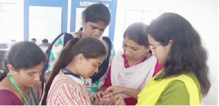 sathyamangalam bannari college girls won first price health check up dress discovered
