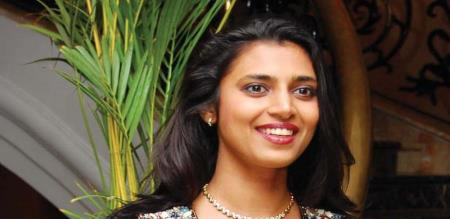 kasthuri says about social media