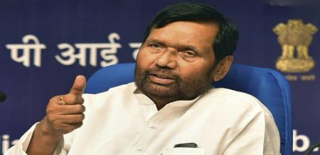 central minister ram vilas paswan admitted in icu