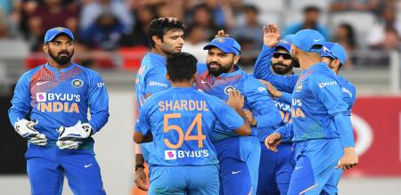 New Zealand set 204 target of India in Auckland 1st T20I