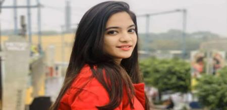 Tic tok Famous Siya Kakkar Suicide and died in Delhi