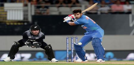 india won the match against new zealand by 6 wickets
