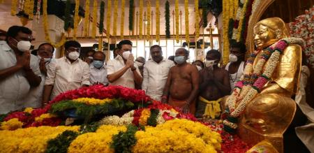 MK Stalin Behave disrespect in thevar Pooja