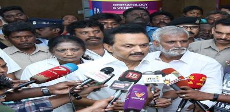 DMK chief stalin visit dengue affected person in gh