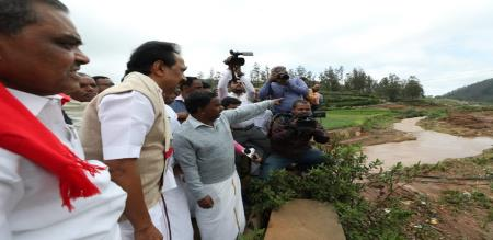 is dmk gave relief fund 10 crores to nilgiris rains