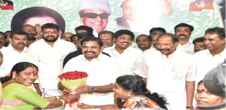 ammk local body polls candidate joins admk in front of minister Thangamani