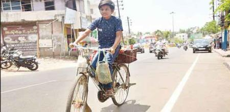 Thanjavur child sales vada, samosa etc.. due to poverty of the family
